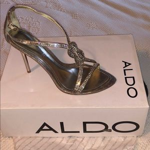 Aldo 'Flofifi' high heeled sandal. Like new. 38 B